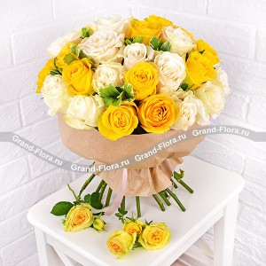 My sun - bouquet of yellow and white roses
